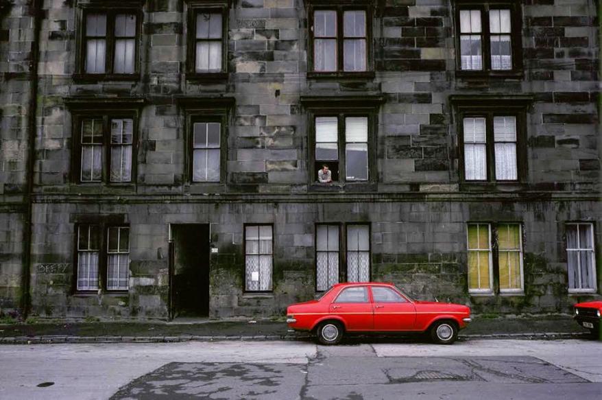 852599-red-car-photo-raymond-depardon-magnum