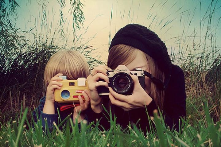 appareil-photo-enfant-vs-appareil-classique-1024x682