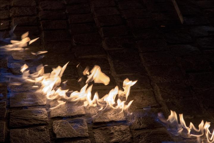 le trottoir en feu Luc URBAIN