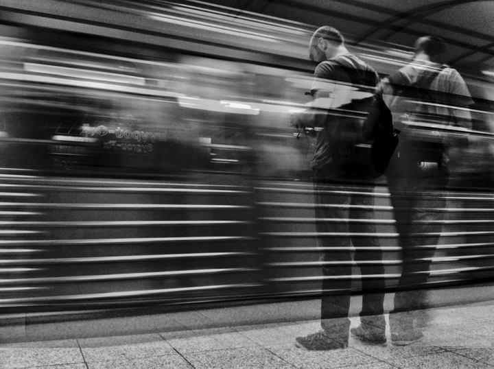 famous-shutter-speed-photographers-street-view-photographys-top-10-slow-shutter-speed-1