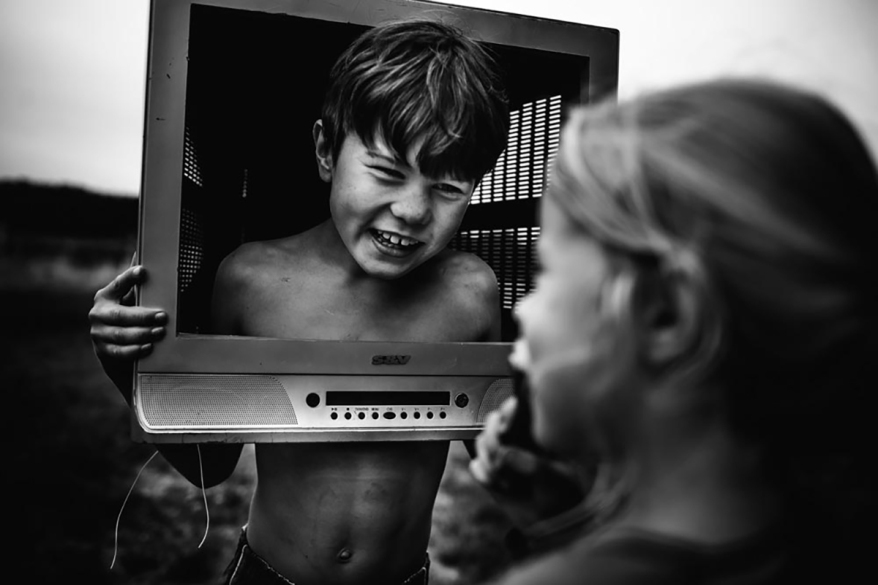 niki-boon-a-sincere-place-of-freedom-family-blackandwhite3
