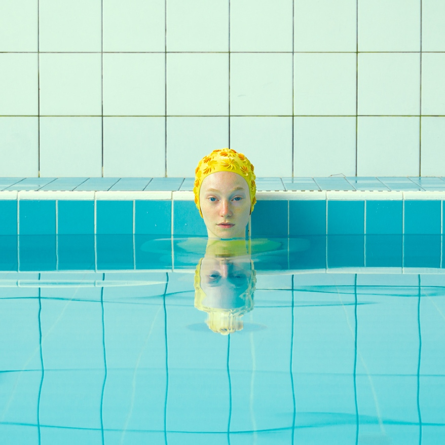 Horizon-de-nouvelles-nageuses-par-Maria-Svarbova-1